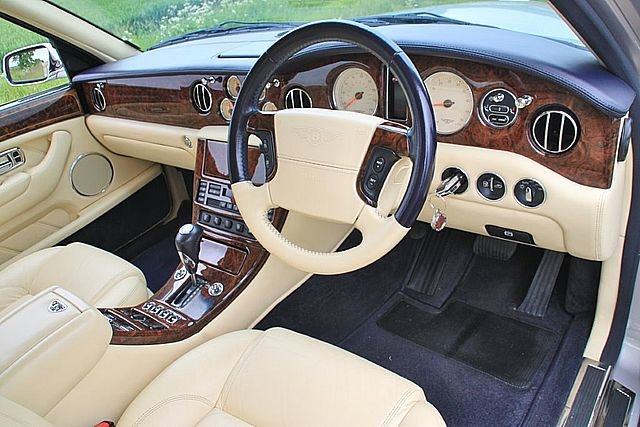 2004 Bentley Arnage 'R'  Very rare Mulliner spec. For Sale (picture 5 of 6)