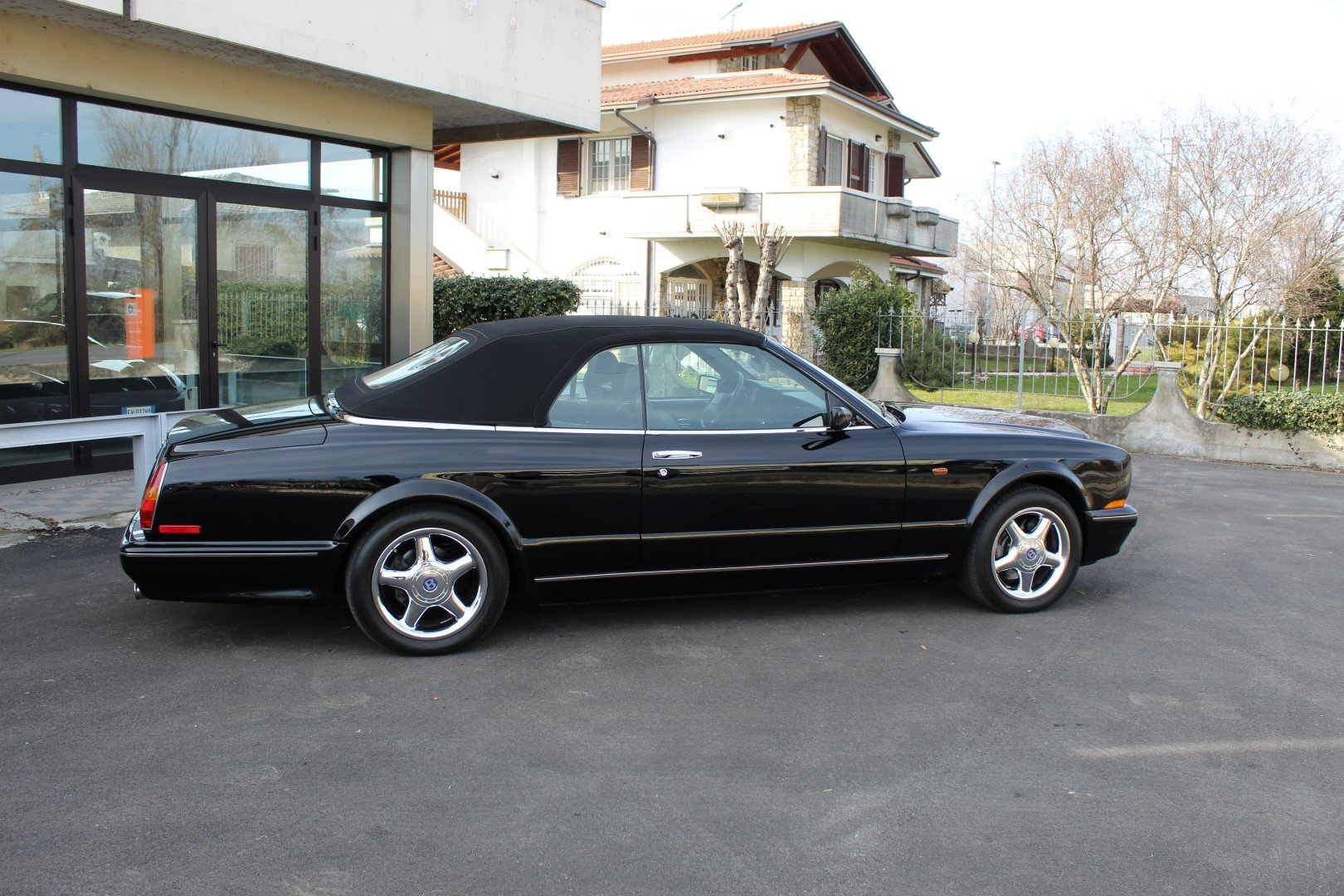 1999 Bentley Azure Mulliner - Wide Body - 426HP For Sale (picture 2 of 6)