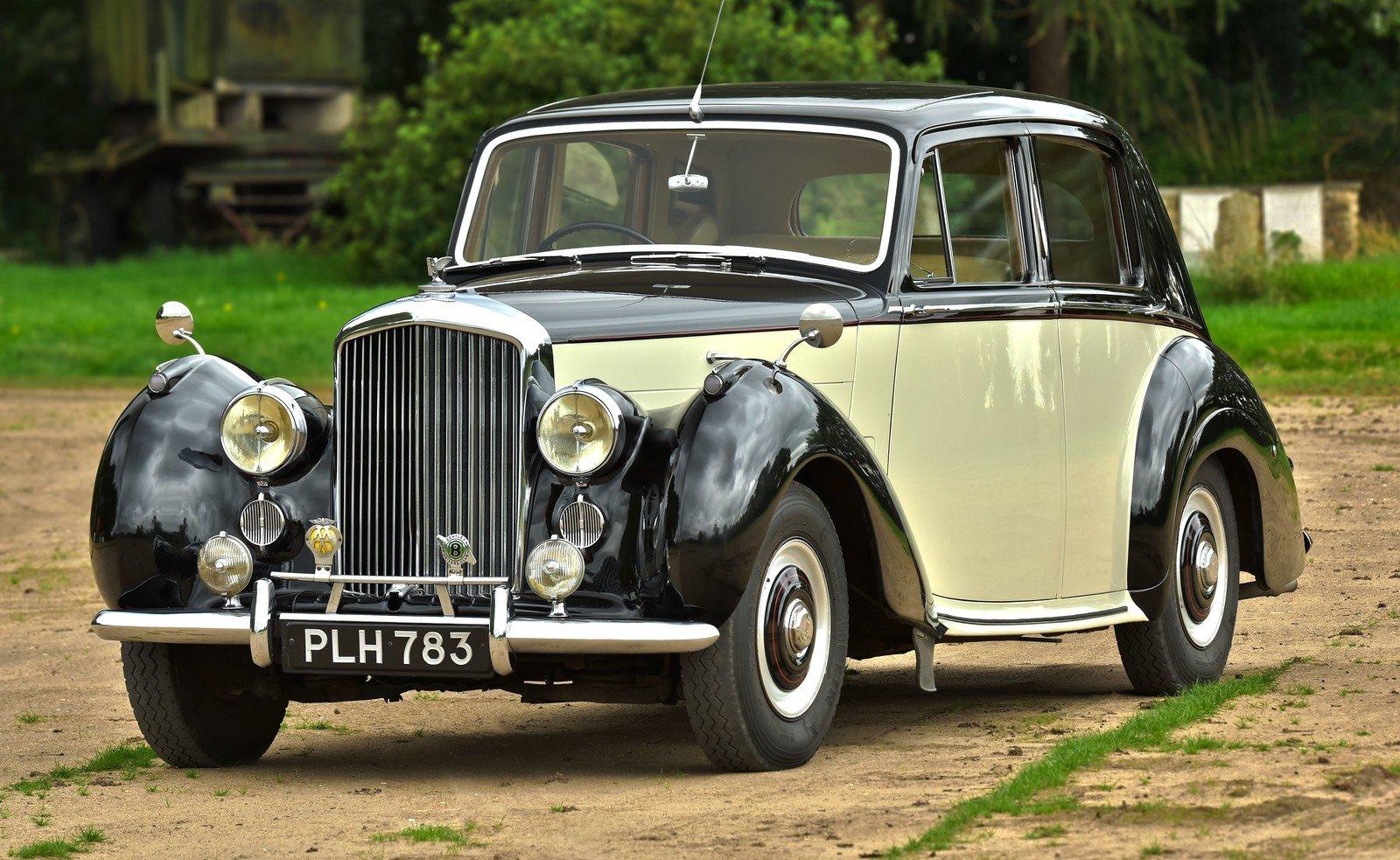 1954 Bentley R Type Standard Steel Saloon For Sale (picture 1 of 6)