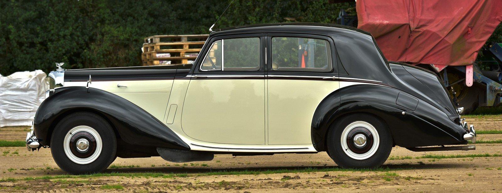 1954 Bentley R Type Standard Steel Saloon For Sale (picture 2 of 6)