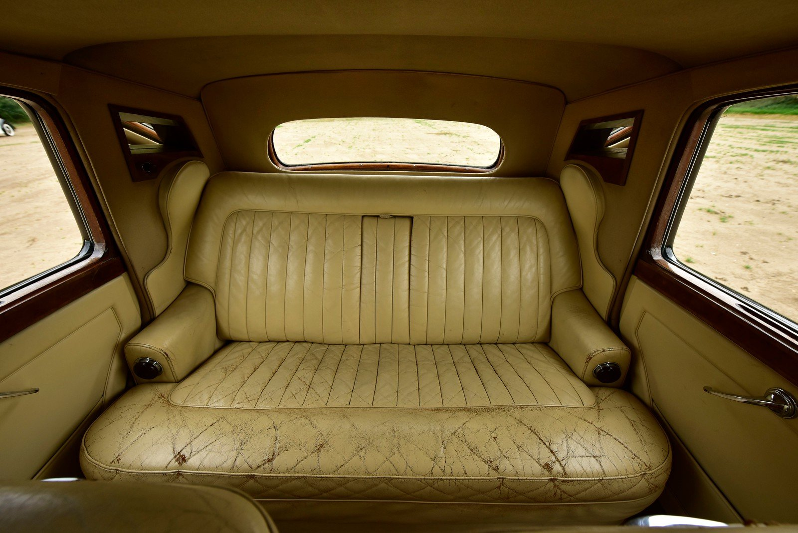 1954 Bentley R Type Standard Steel Saloon For Sale (picture 5 of 6)