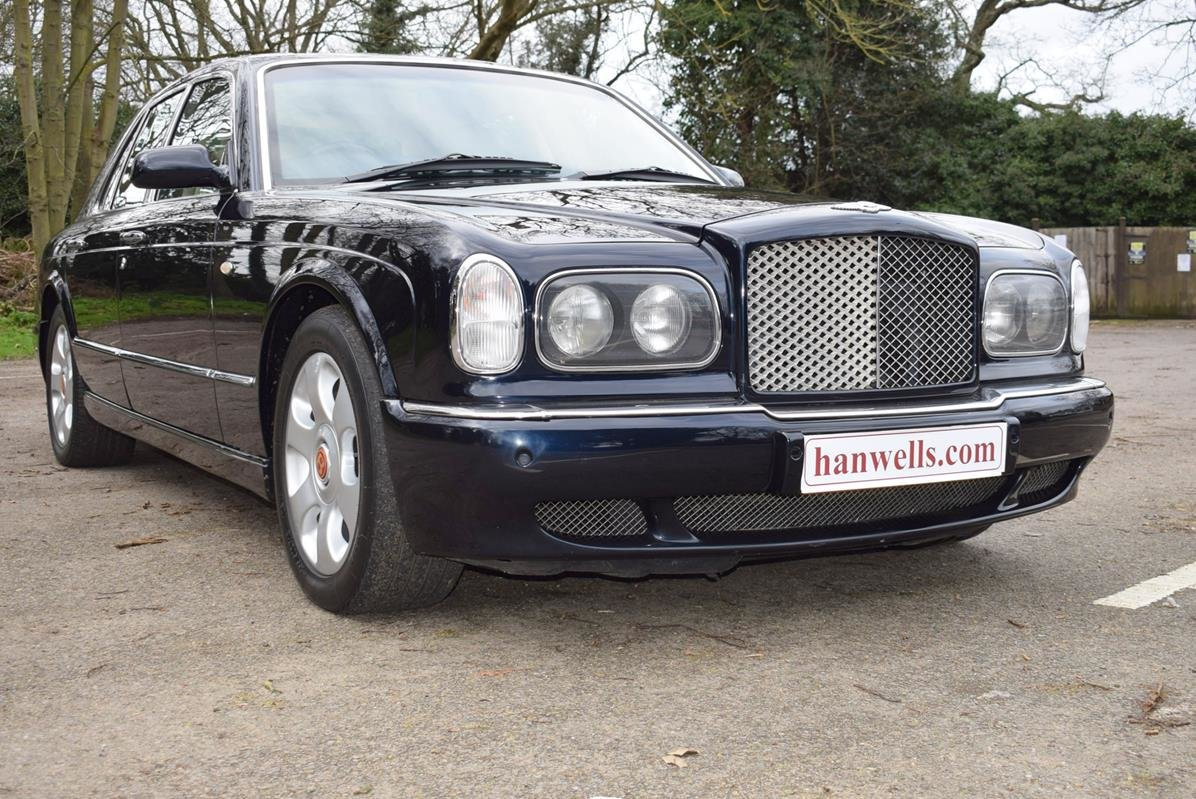 2003/03 Bentley Arnage R in Midnight Sapphire For Sale (picture 1 of 6)