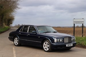 Bentley Arnage, 2001.  Royal Blue metallic.  Former Viscount