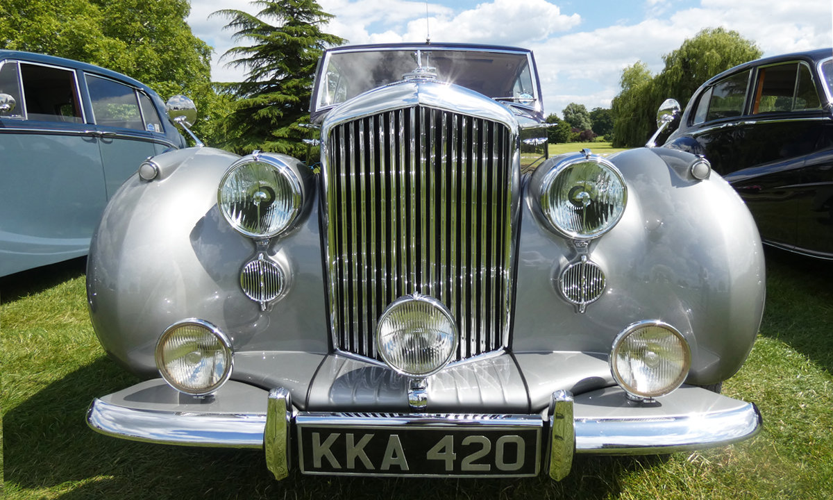1949 Bentley MK VI by James Young  For Sale (picture 2 of 6)
