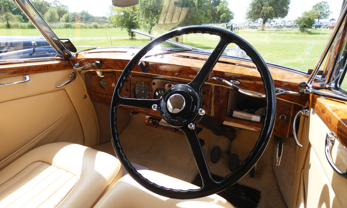 1949 Bentley MK VI by James Young  For Sale (picture 4 of 6)