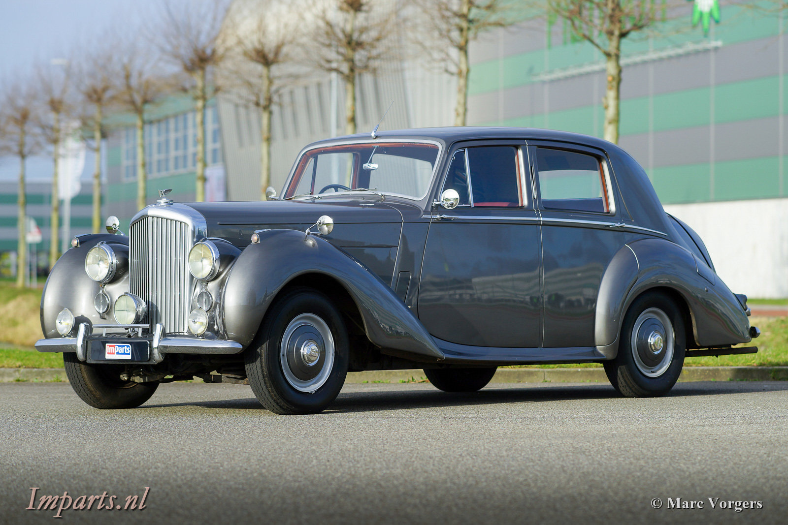 1953 Beautiful Bentley R-type manual For Sale (picture 1 of 6)