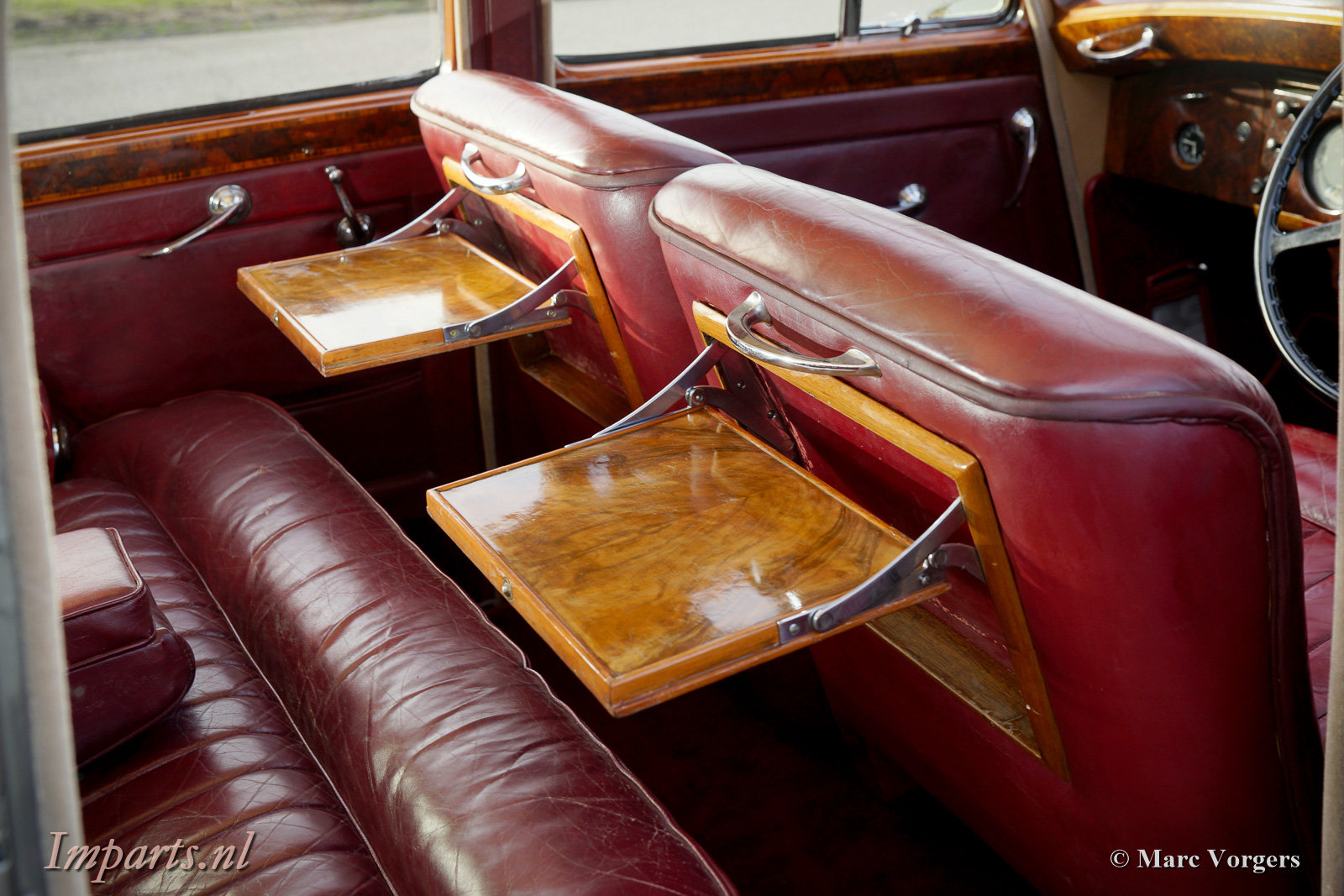 1953 Beautiful Bentley R-type manual For Sale (picture 3 of 6)