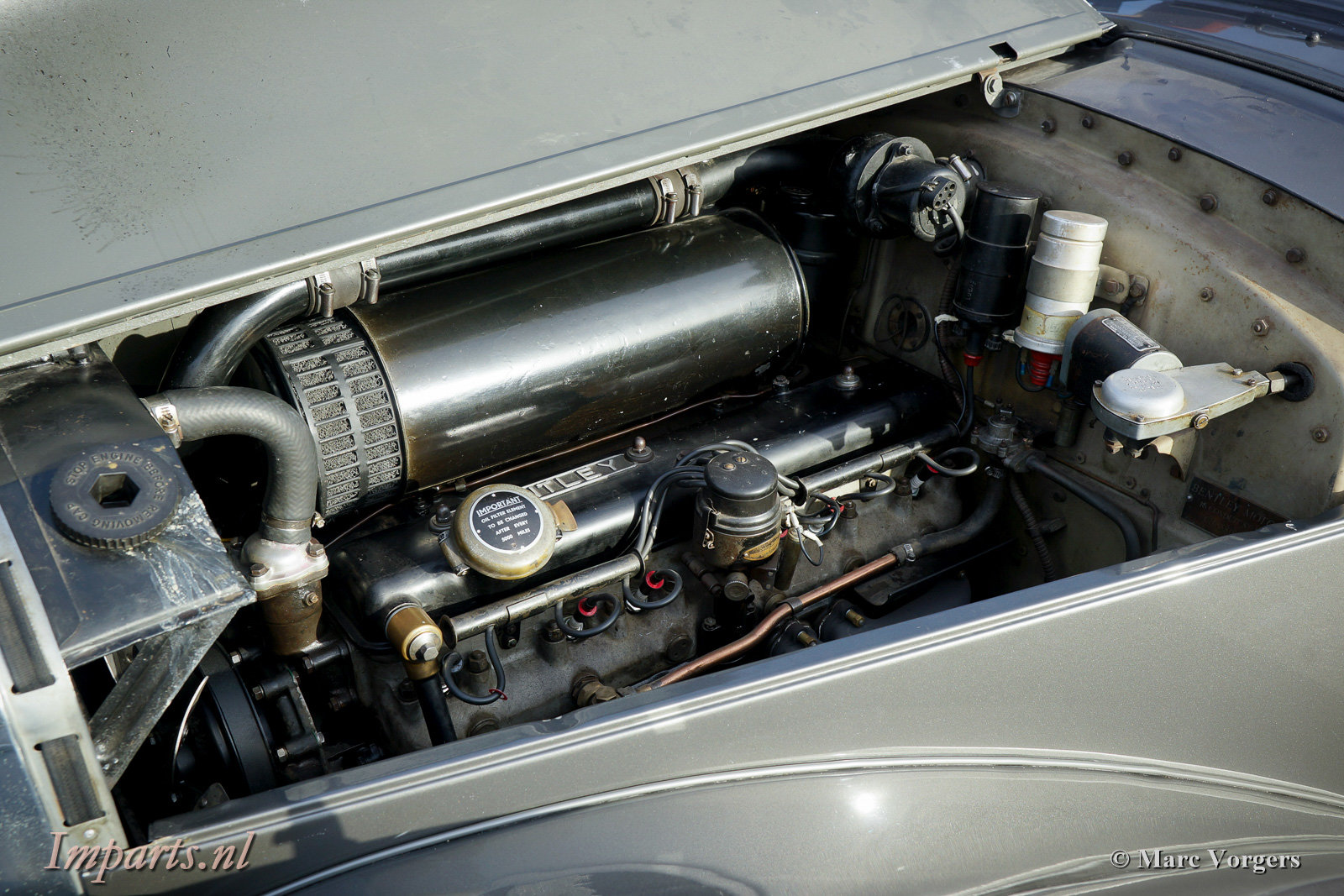 1953 Beautiful Bentley R-type manual For Sale (picture 4 of 6)