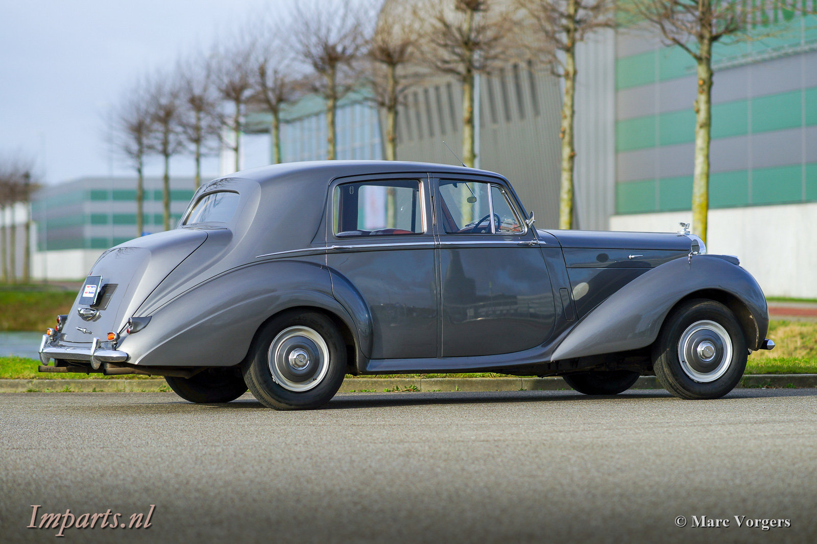1953 Beautiful Bentley R-type manual For Sale (picture 5 of 6)