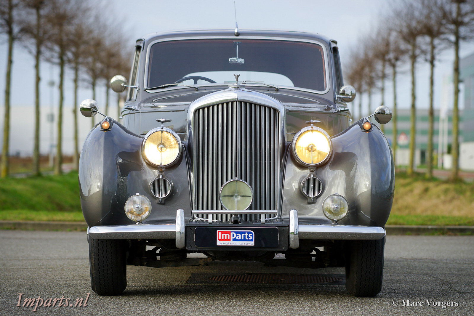 1953 Beautiful Bentley R-type manual For Sale (picture 6 of 6)