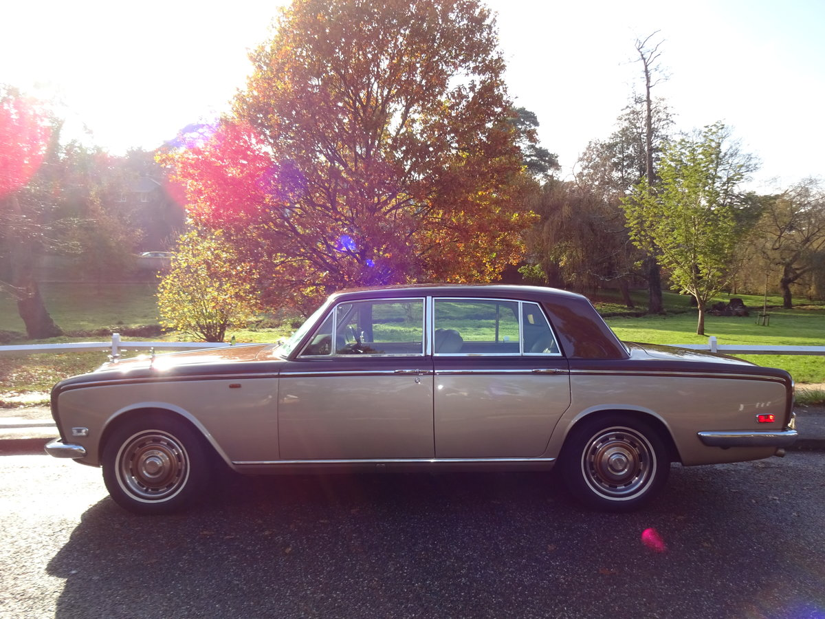 1974 Bentley T1 Auto Saloon For Sale (picture 2 of 6)