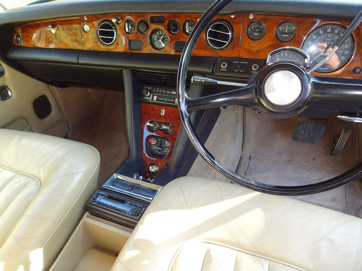 1974 Bentley T1 Auto Saloon For Sale (picture 3 of 6)