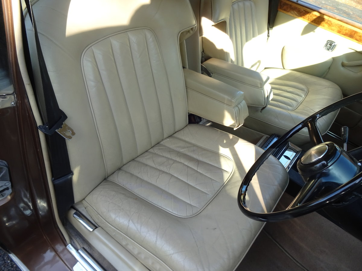 1974 Bentley T1 Auto Saloon For Sale (picture 4 of 6)