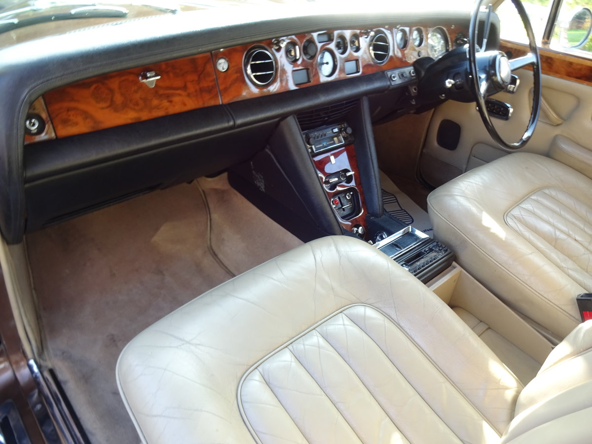 1974 Bentley T1 Auto Saloon For Sale (picture 5 of 6)