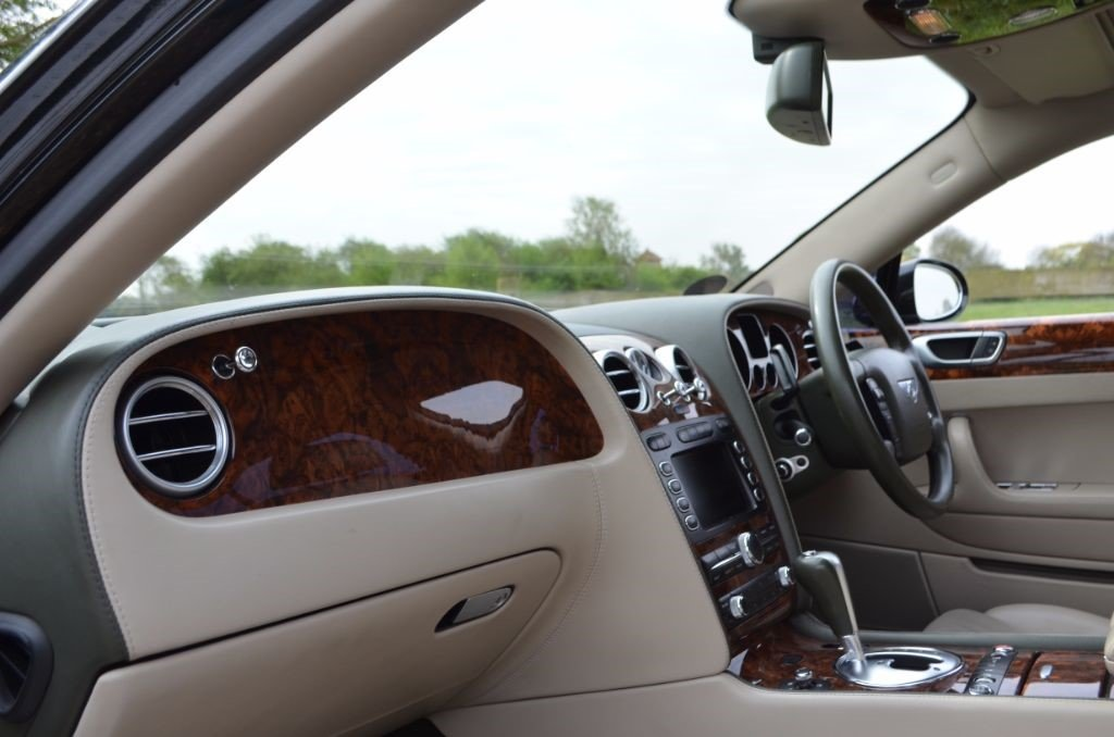 2005 BENTLEY CONTINENTAL FLYING SPUR For Sale (picture 2 of 5)