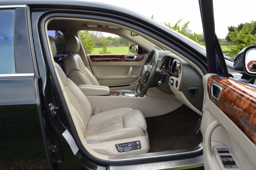 2005 BENTLEY CONTINENTAL FLYING SPUR For Sale (picture 3 of 5)
