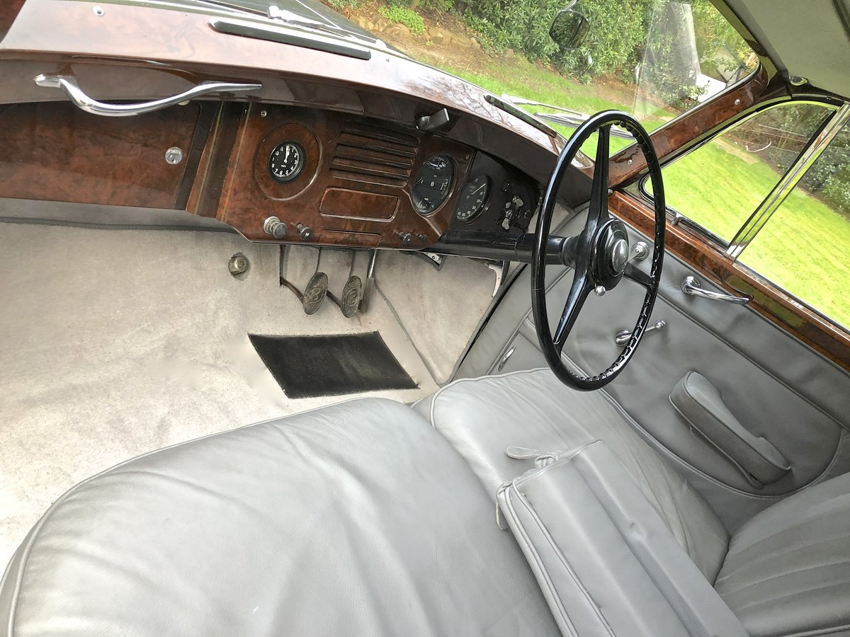 1952 Bentley R TYPE James Young Sports Saloon  For Sale (picture 4 of 6)