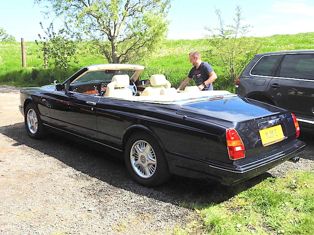 1996 Magnificent Bentley Azure Midnight Blue SOLD (picture 2 of 6)