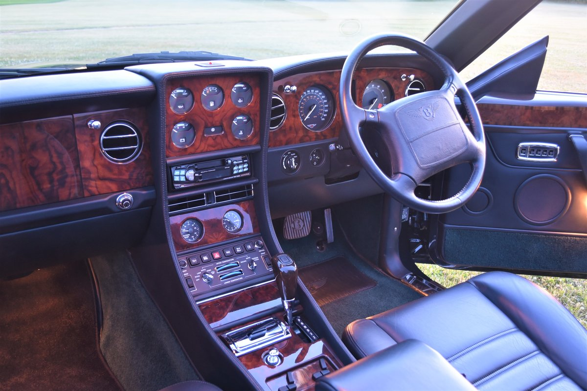 Bentley Azure 16,000 miles Black Emerald 1997 For Sale (picture 4 of 6)