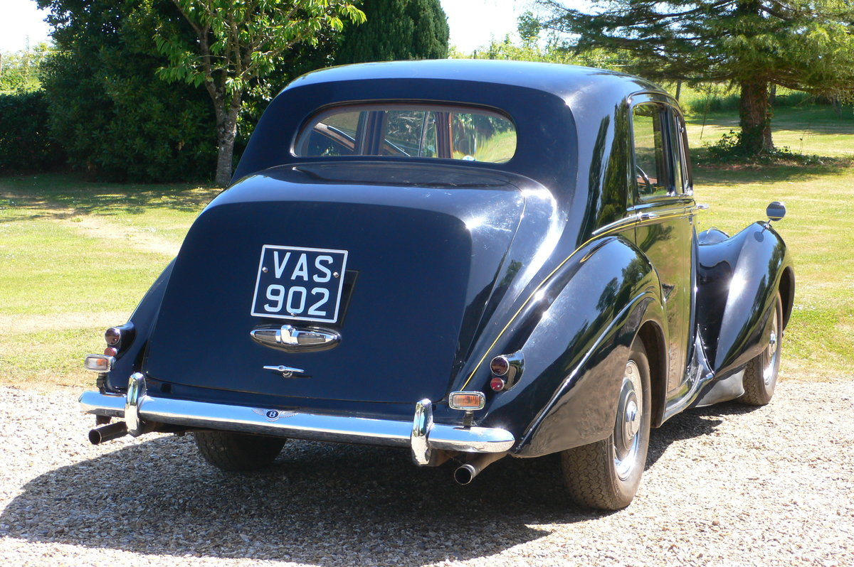 1955 Bentley R-Type Standard Steel Saloon For Sale by Auction (picture 3 of 6)