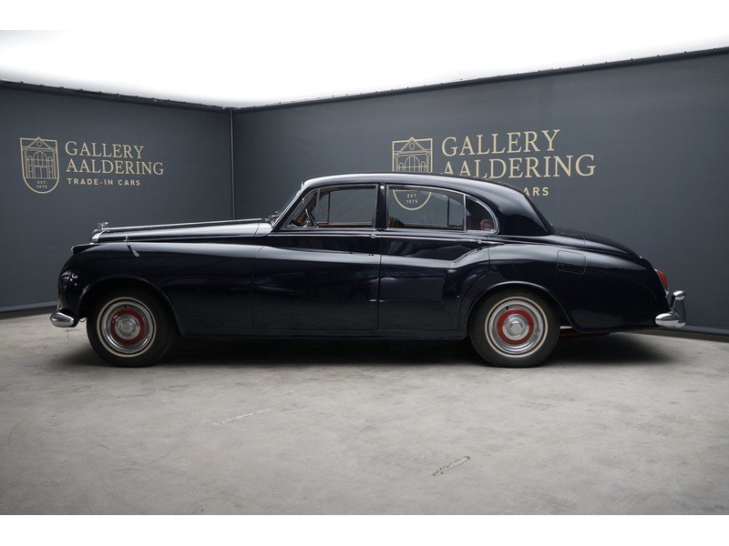 1956 Bentley S1 Saloon James Young For Sale (picture 2 of 6)