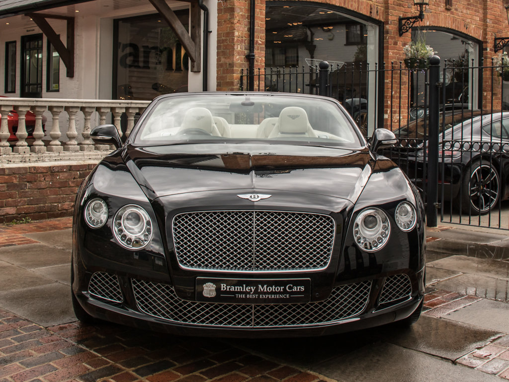 2012 Bentley    Continental GT W12 Mulliner Specification  For Sale (picture 3 of 6)