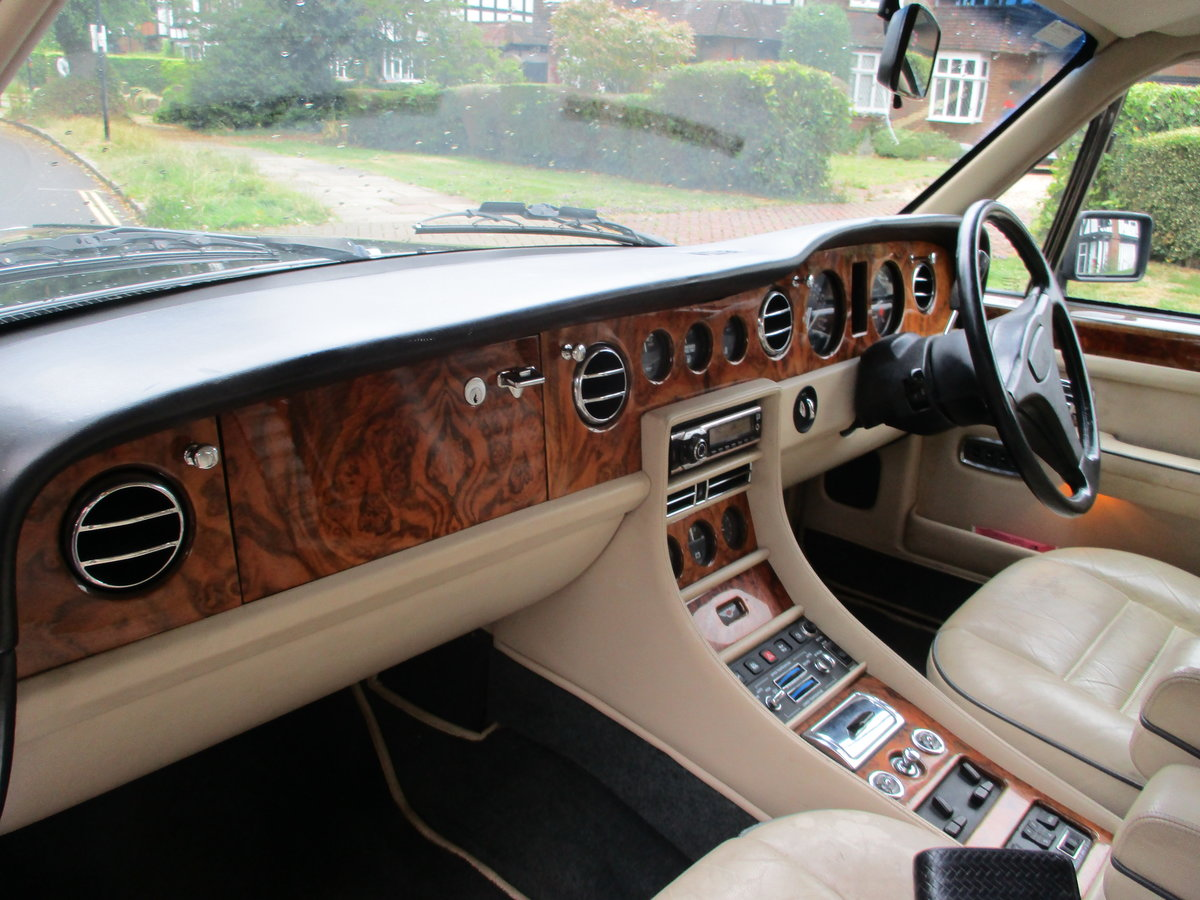 Bentley Turbo R 1991 92,000 miles OWNED AND LOVED  19 YEARS  For Sale (picture 3 of 17)