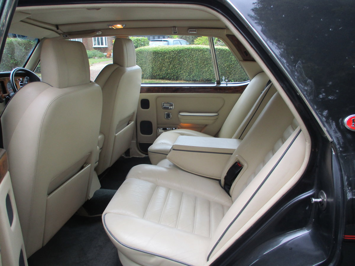Bentley Turbo R 1991 92,000 miles OWNED AND LOVED  19 YEARS  For Sale (picture 5 of 17)