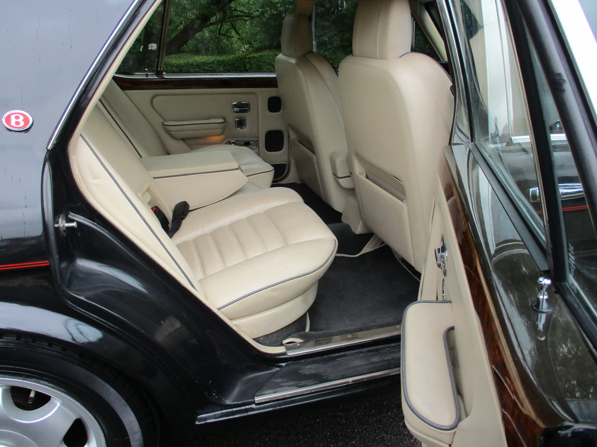 Bentley Turbo R 1991 92,000 miles OWNED AND LOVED  19 YEARS  For Sale (picture 9 of 17)