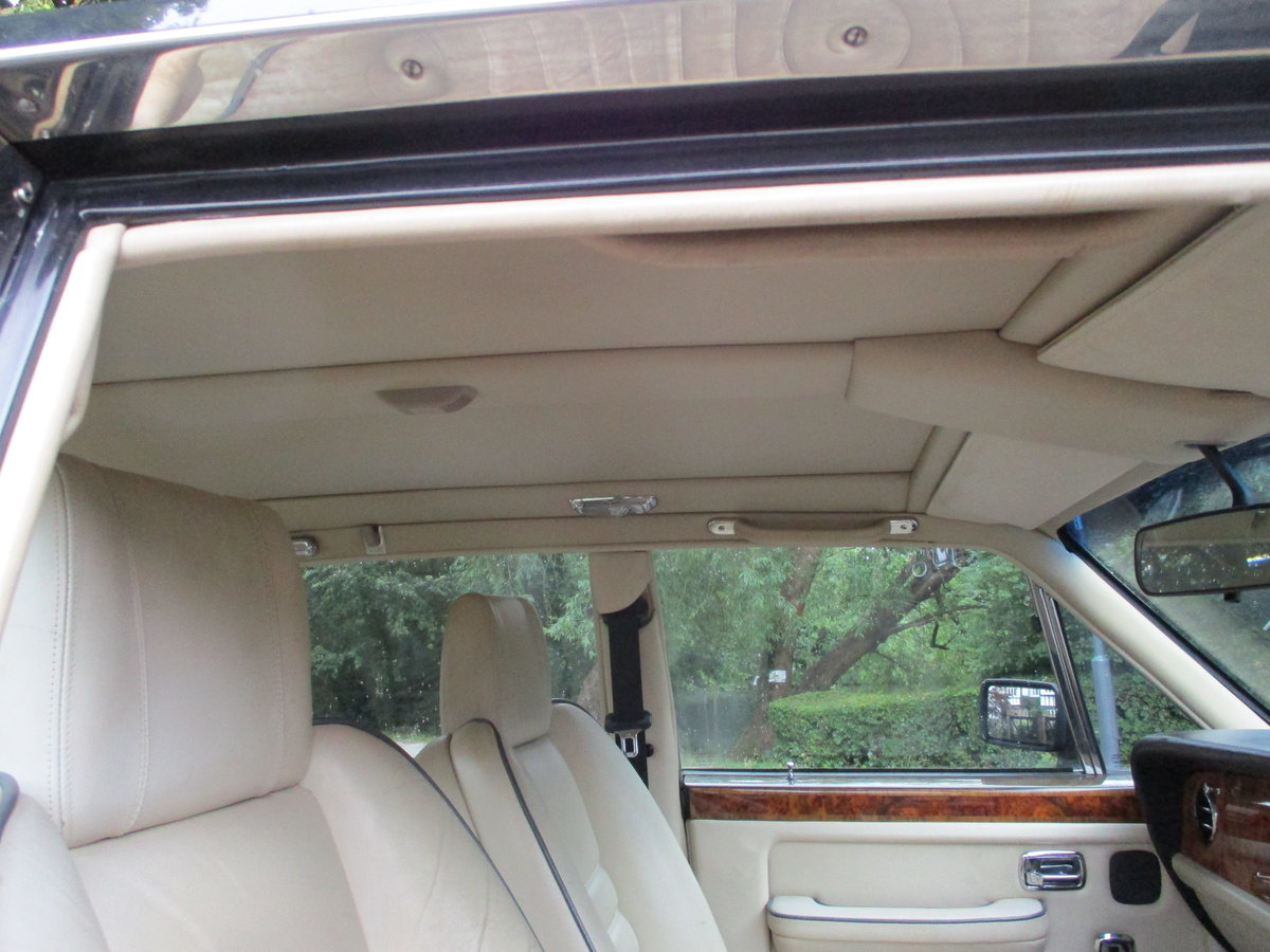 Bentley Turbo R 1991 92,000 miles OWNED AND LOVED  19 YEARS  For Sale (picture 10 of 17)