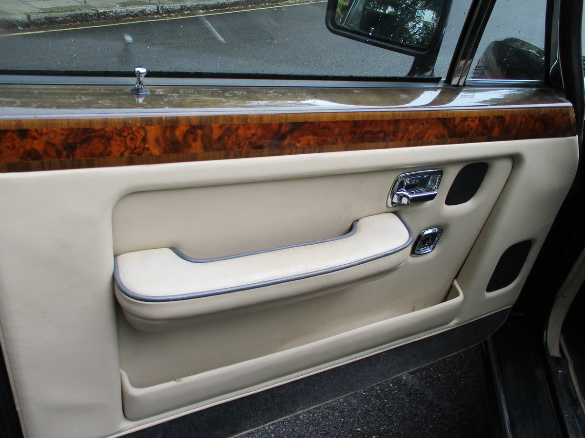 Bentley Turbo R 1991 92,000 miles OWNED AND LOVED  19 YEARS  For Sale (picture 11 of 17)