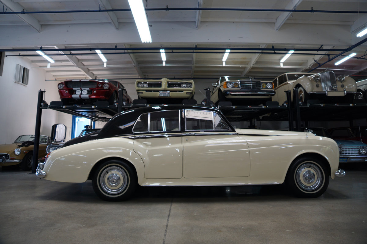 RHD 1965 Bentley S3 just out of renown collection rare find SOLD (picture 5 of 6)