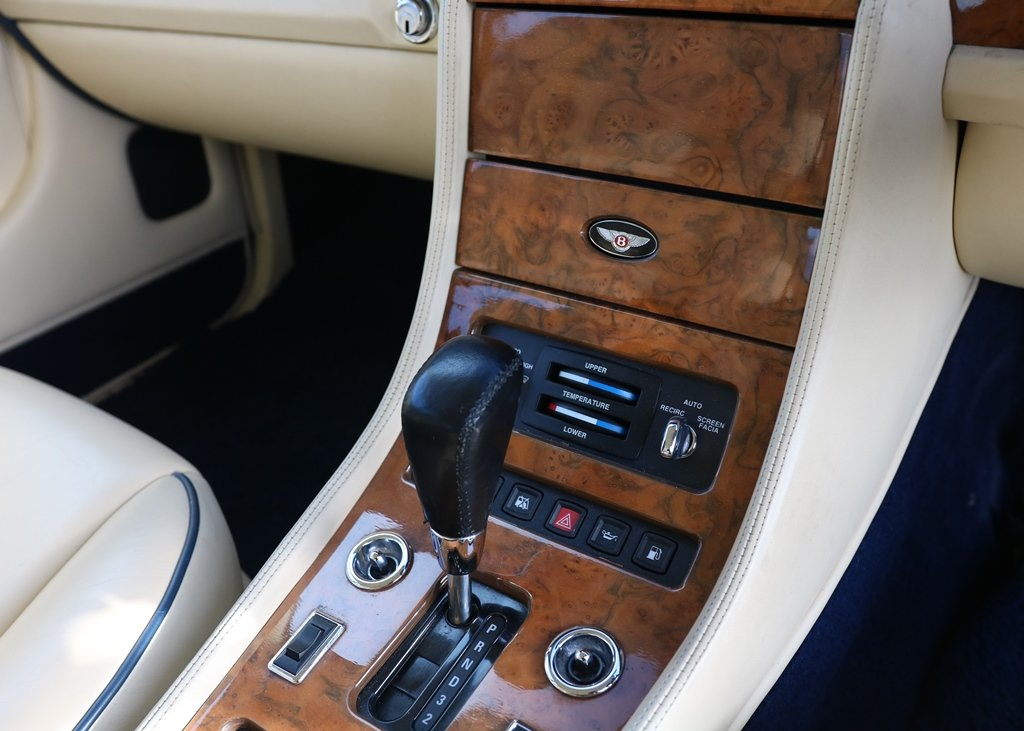 1996 Bentley Brooklands SOLD by Auction (picture 5 of 6)