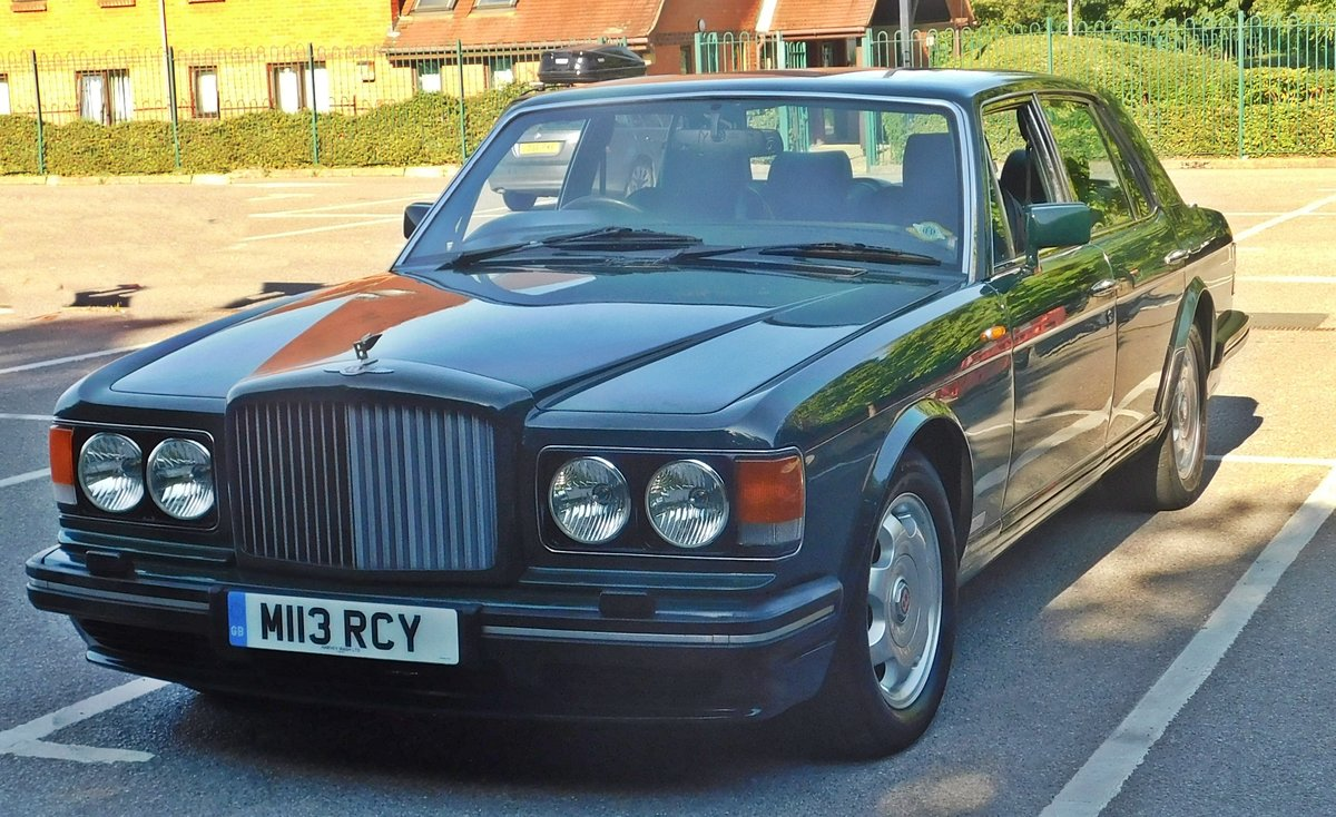 1995 Bentley Turbo R British racing green 12 mnths MOT For Sale (picture 1 of 6)