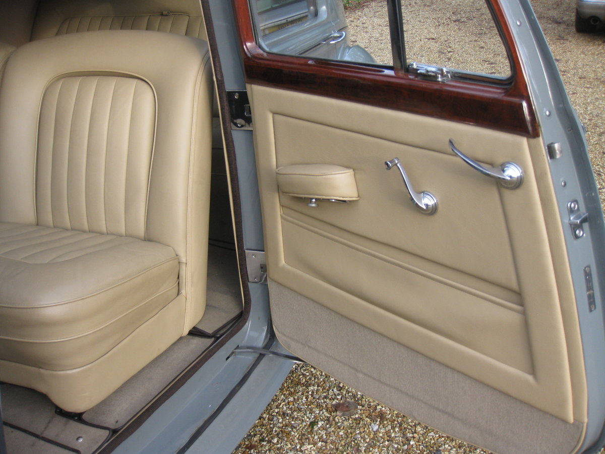 1949 Bentley MKVI Manual For Sale (picture 5 of 6)