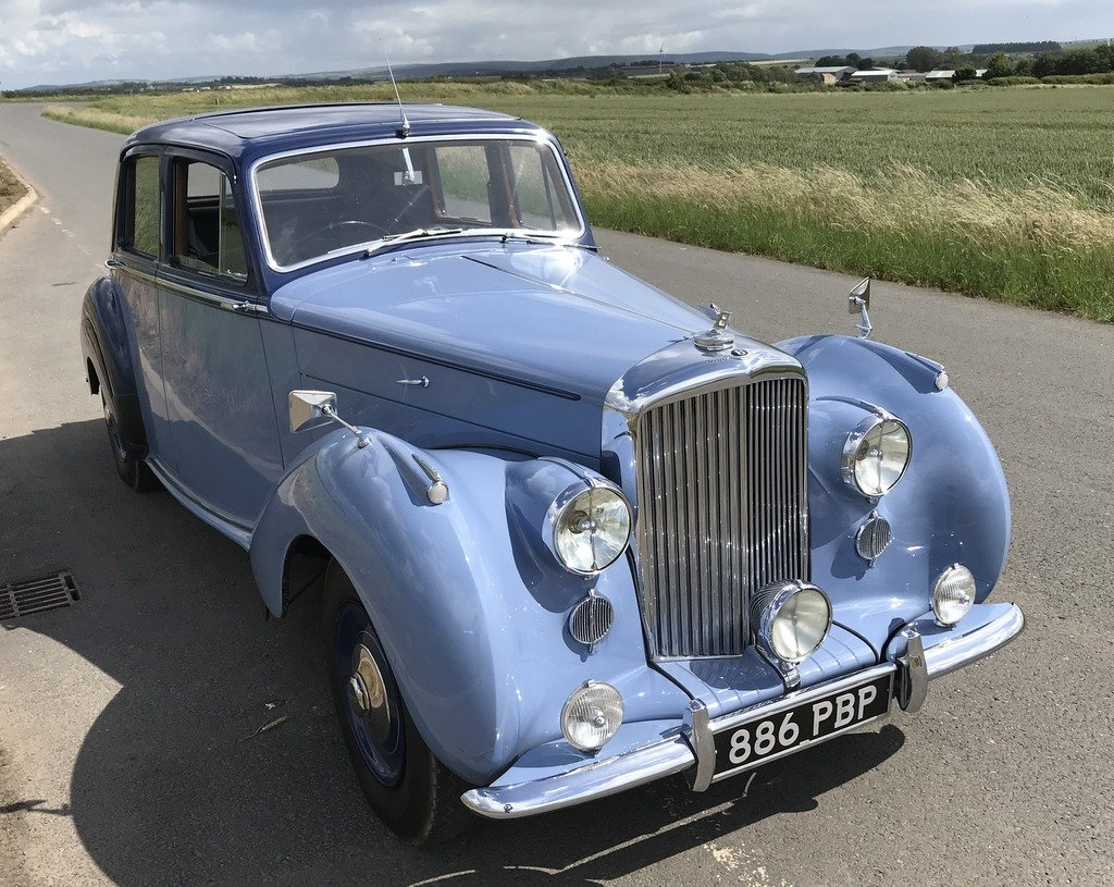 1949 Bentley Mk 6 Sports Saloon. Renovated. For Exc or For Sale (picture 3 of 6)