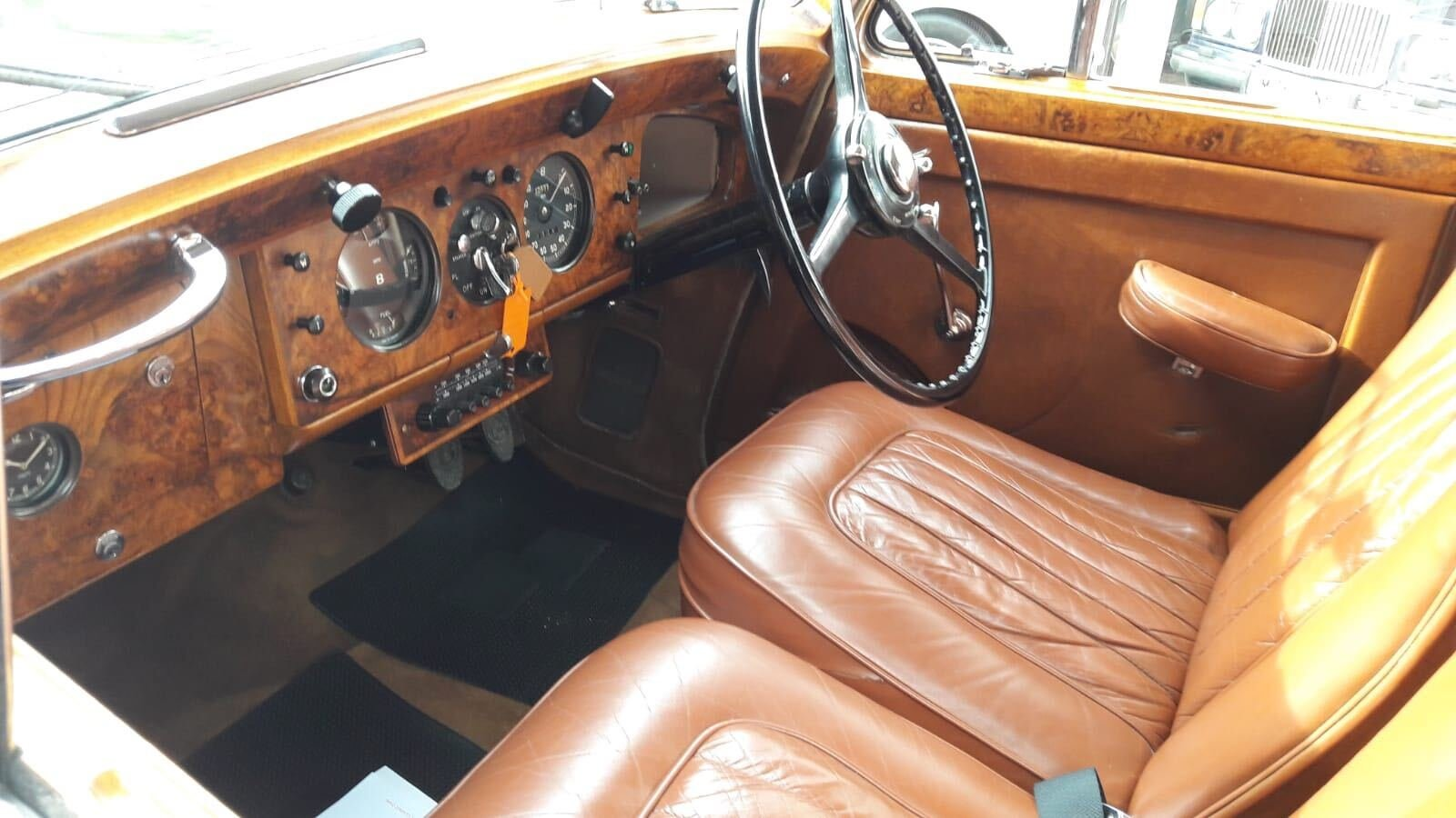 1952 Bentley 4.5 litre Mk v1 For Sale (picture 3 of 6)