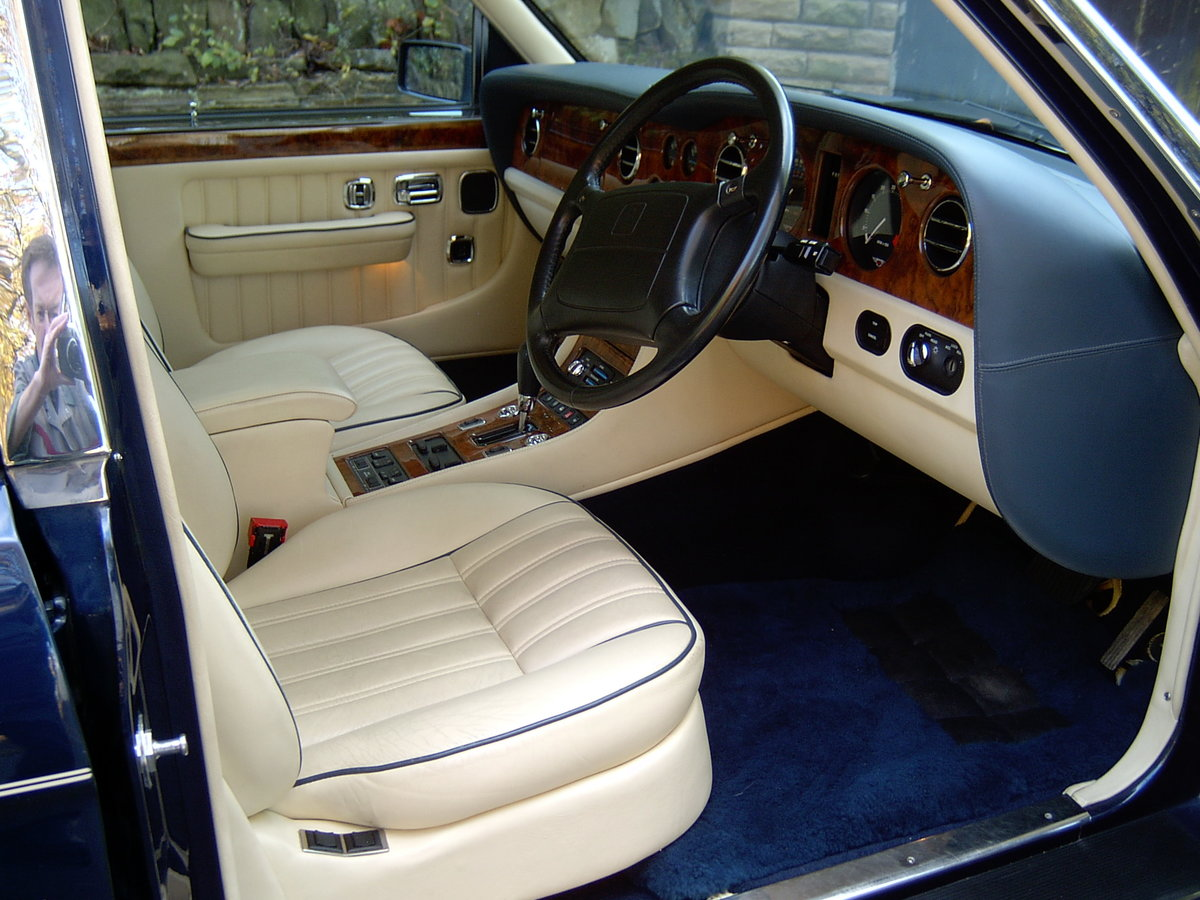 BENTLEY BROOKLANDS ( 1995 ) For Sale (picture 3 of 6)