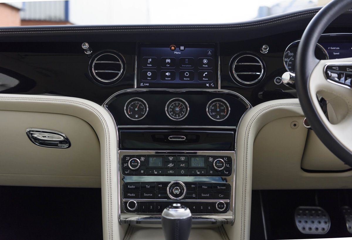 2018 Bentley Mulsanne Speed (RHD) For Sale (picture 18 of 24)