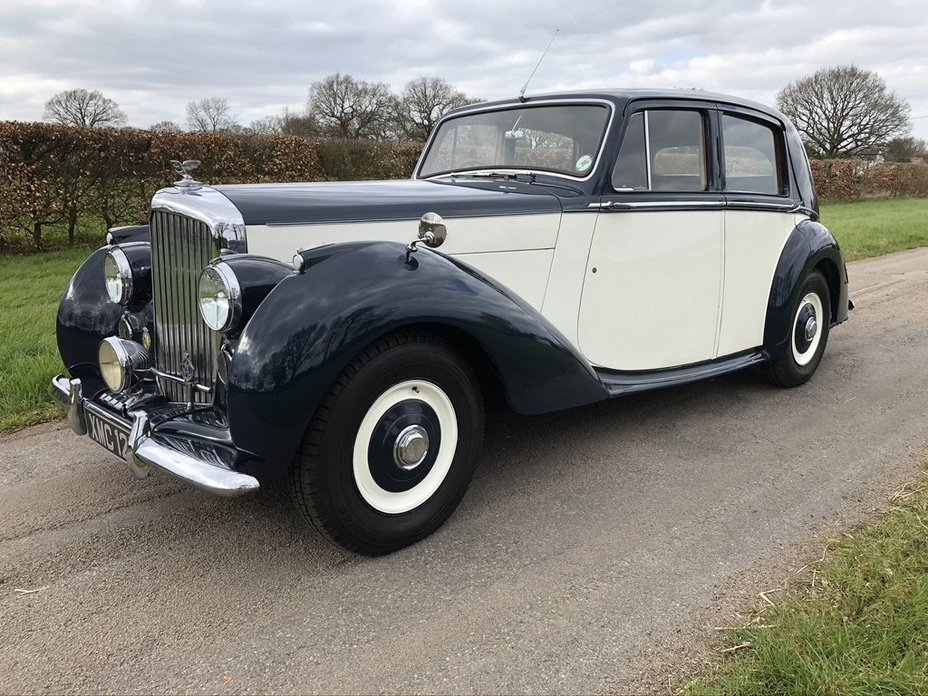 1951 BENTLEY MKV1 IN BLUE AND IVORY For Sale (picture 1 of 6)