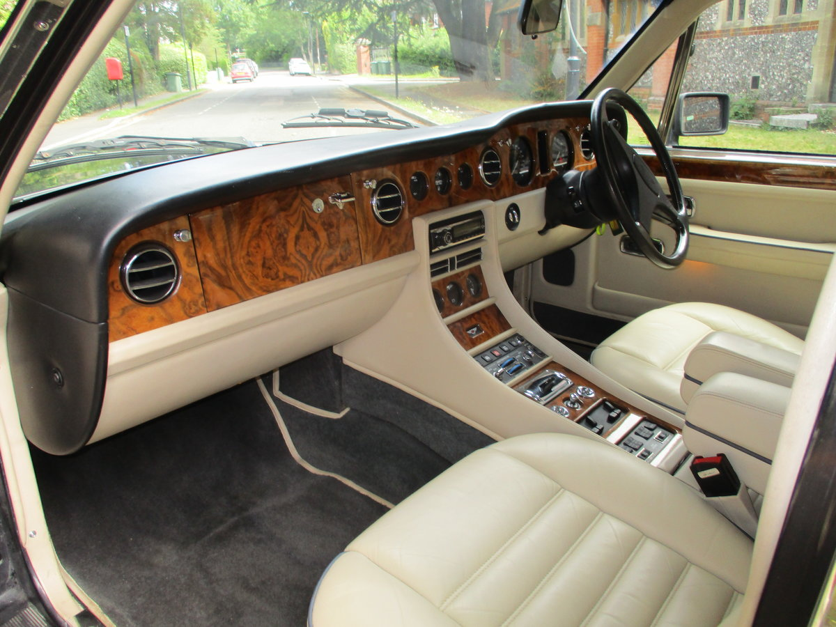 Bentley Turbo R 1991 92,000 miles OWNED AND LOVED  19 YEARS  For Sale (picture 14 of 17)