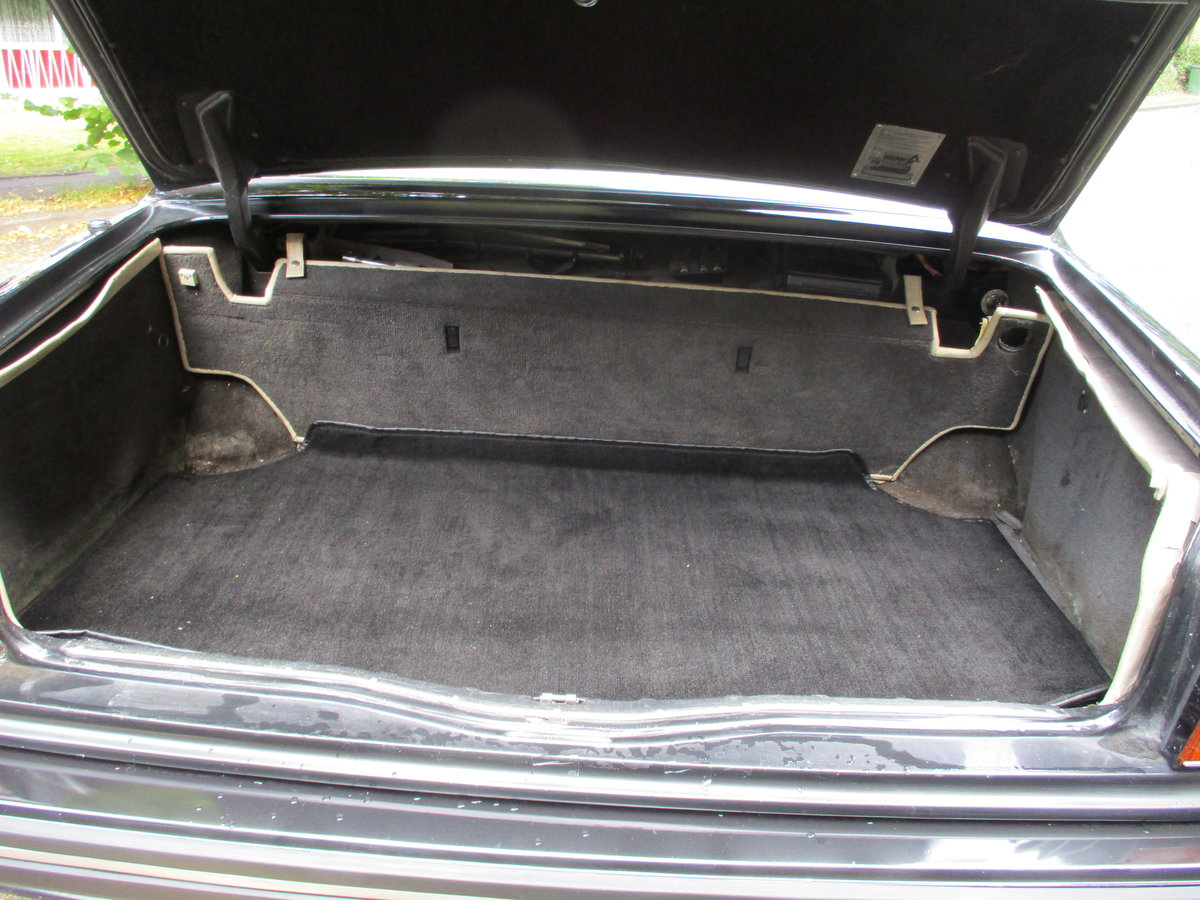 Bentley Turbo R 1991 92,000 miles OWNED AND LOVED  19 YEARS  For Sale (picture 16 of 17)