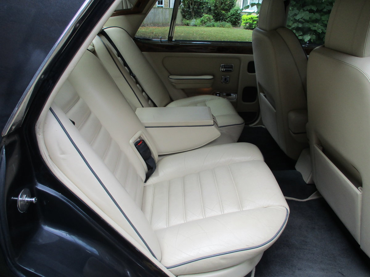 Bentley Turbo R 1991 92,000 miles OWNED AND LOVED  19 YEARS  For Sale (picture 17 of 17)