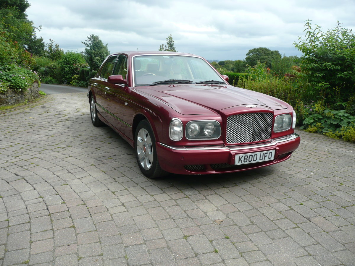 2002 Low mileage Bentley  £25250 For Sale (picture 1 of 6)