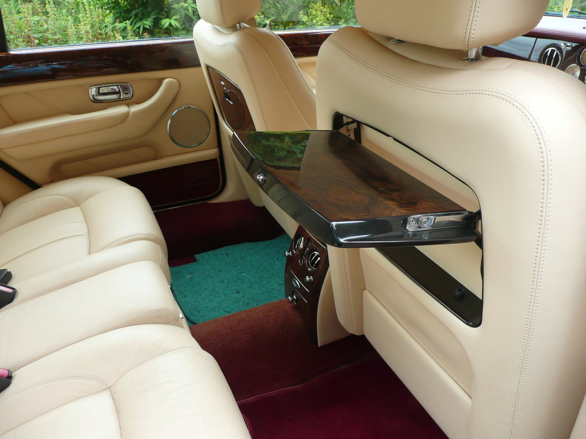 2002 Low mileage Bentley  £25250 For Sale (picture 3 of 6)