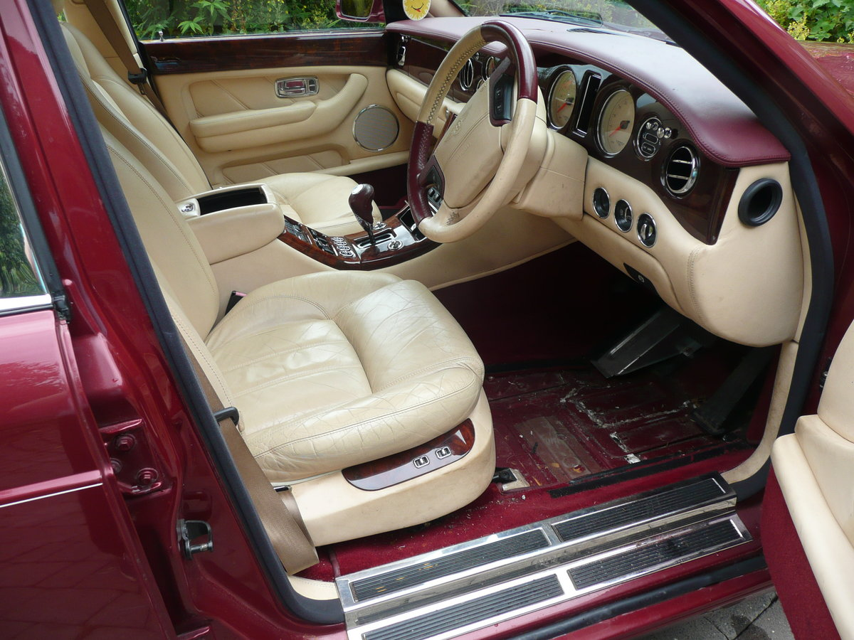 2002 Low mileage Bentley  £25250 For Sale (picture 6 of 6)