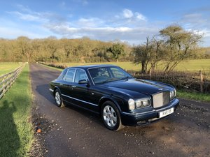 2000 Bentley Arnage - 16 stamps in service book For Sale