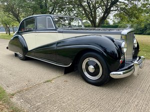 1950 Bentley MkVI Stream Lined Sports Saloon by Park Ward For Sale