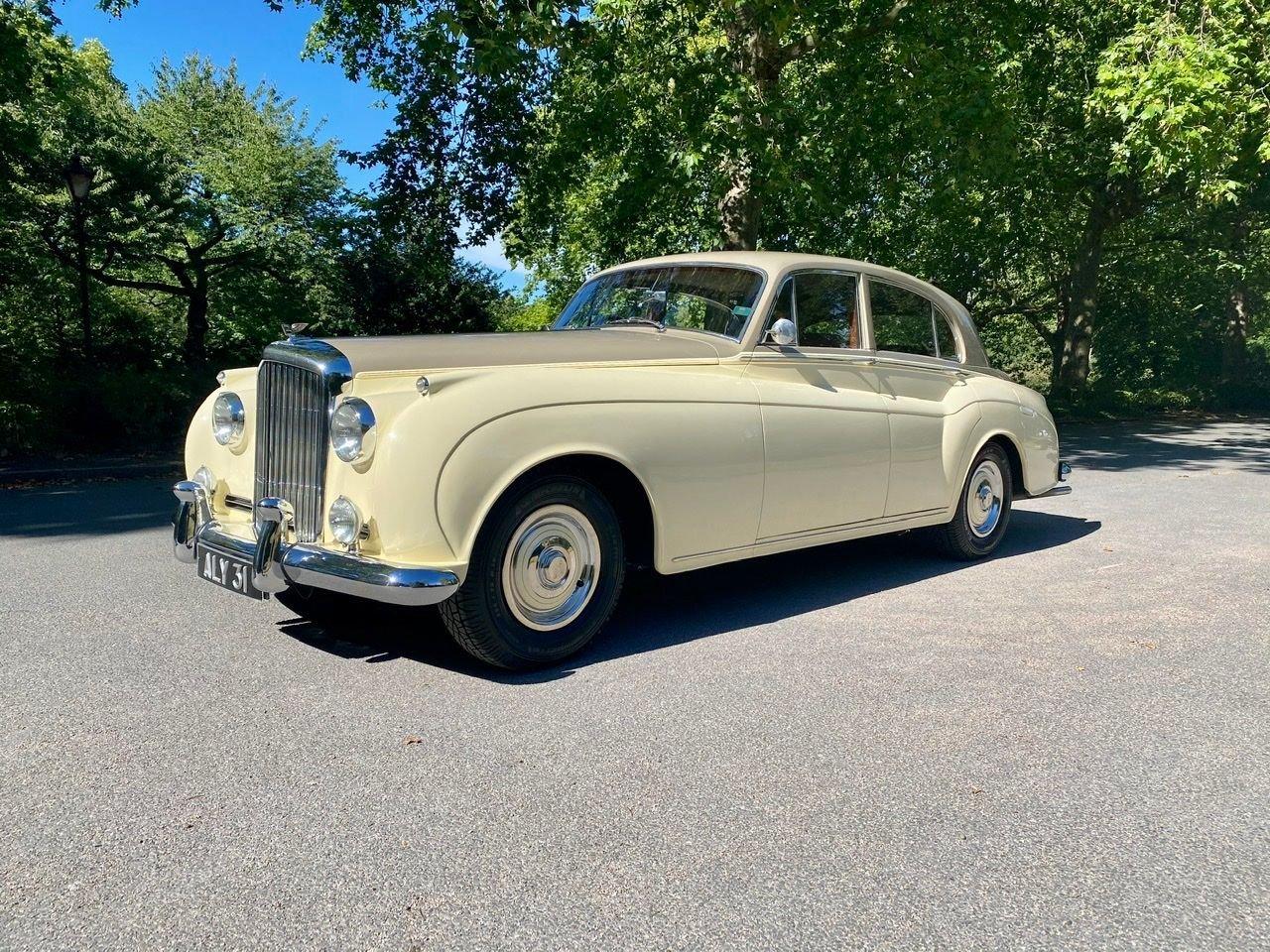 1958 Bentley S1 4 door saloon by James Young For Sale (picture 1 of 24)