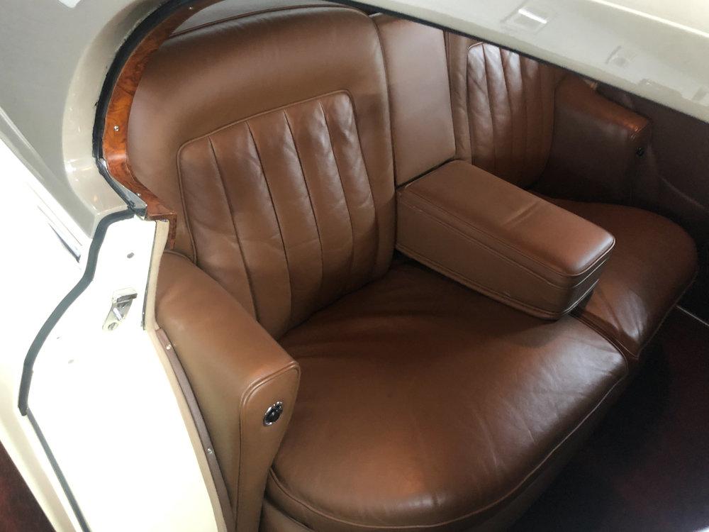 1958 Bentley S1 4 door saloon by James Young For Sale (picture 16 of 24)